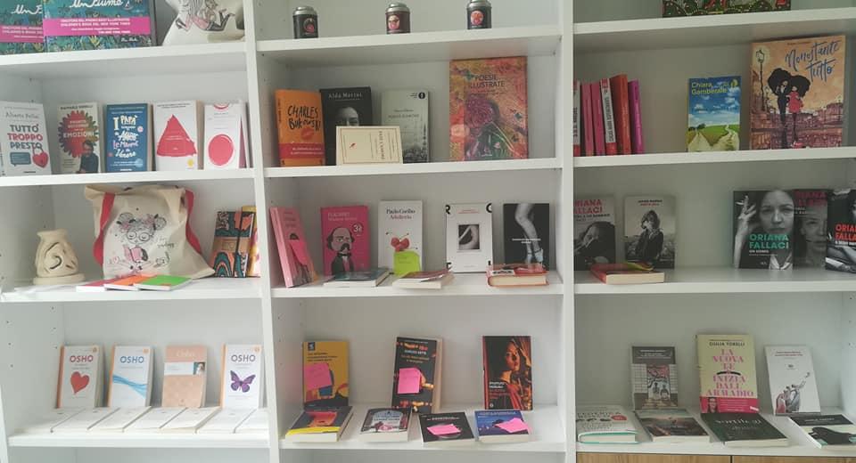 Farmacia letteraria - scaffali