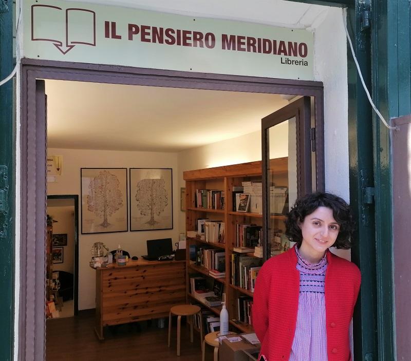 """Intervista Chiara Condò della libreria """"Il pensiero meridiano"""" di Tropea borgo dei borghi 2021"""