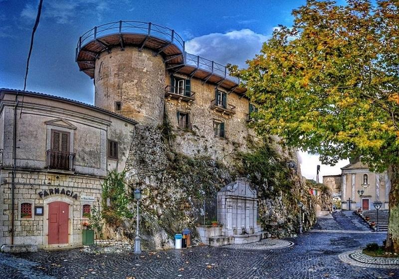 Macchiagodena vacanza gratis libro Foto di Antonio Castrilli