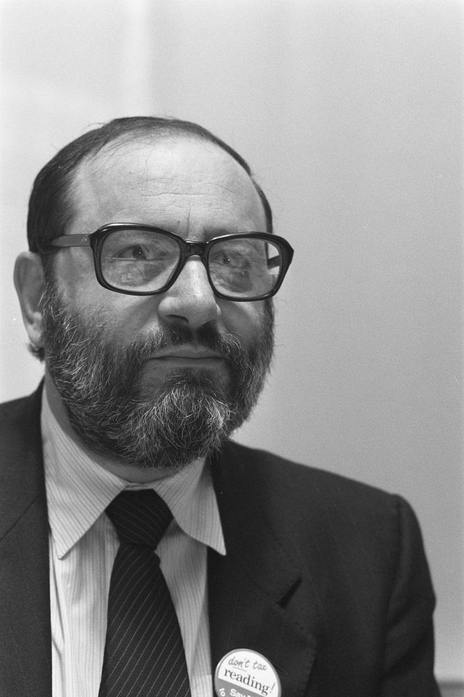 """Umberto Eco, a Bologna rinasce la biblioteca dell'autore de """"Il nome della rosa"""""""