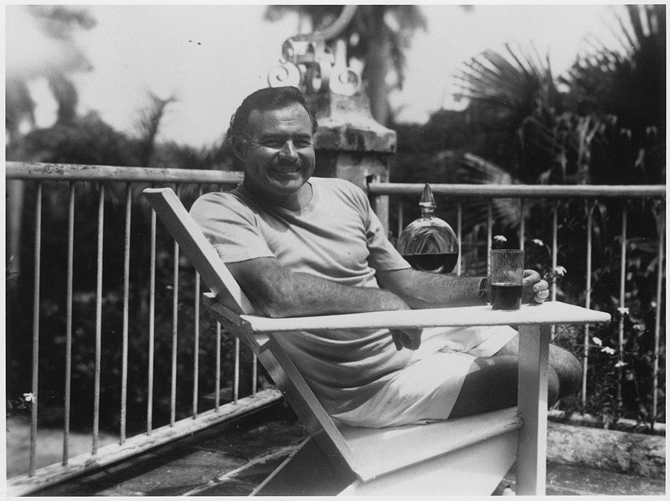 Ernest Hemingway: appunti di una vita sregolata tra scrittura, donne e alcol
